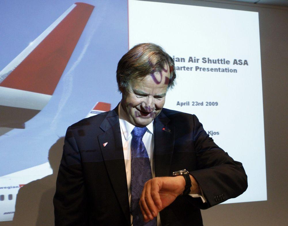 TÅLMODIG: Norwegian-sjef Bjørn Kjos må vente enda noen dager på selskapets første egeneide fly.