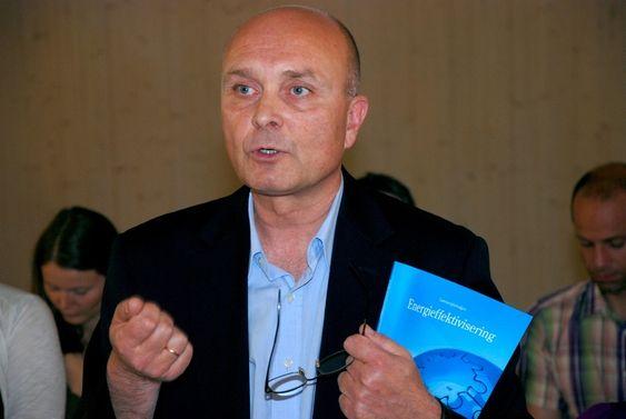 Ketil Lyng BNL , passivhus, framleggelse av rapport fra Lavenergiutvalget juni 2009.