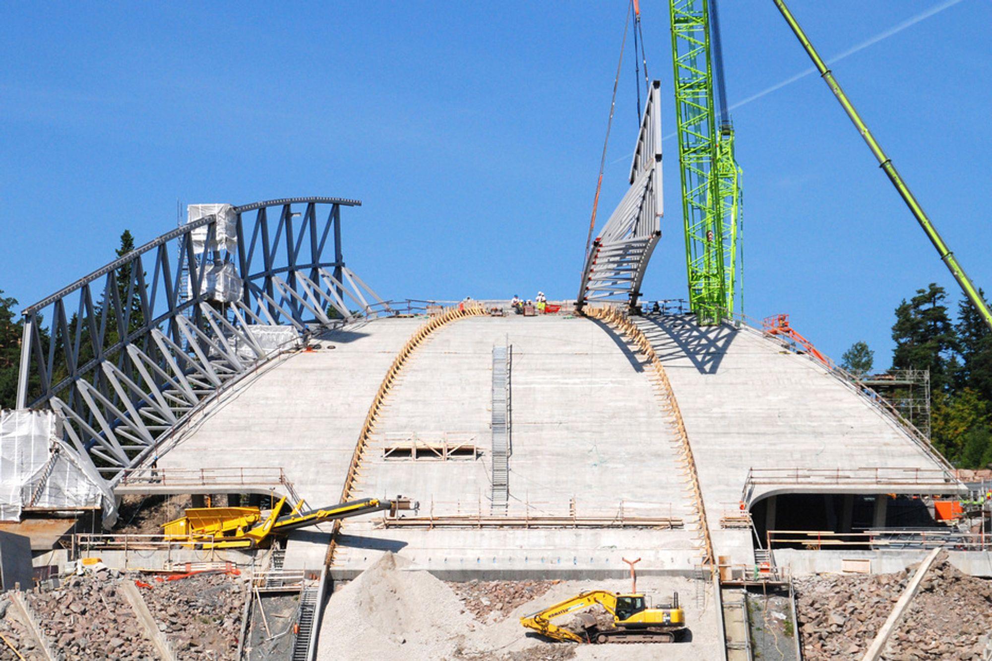 TRØBBEL: Kostnadspress, uklare kontrakter og manglende byggeledelse frustrerte prosjektledelsen og ga budsjettsprekk i Holmenkollen.