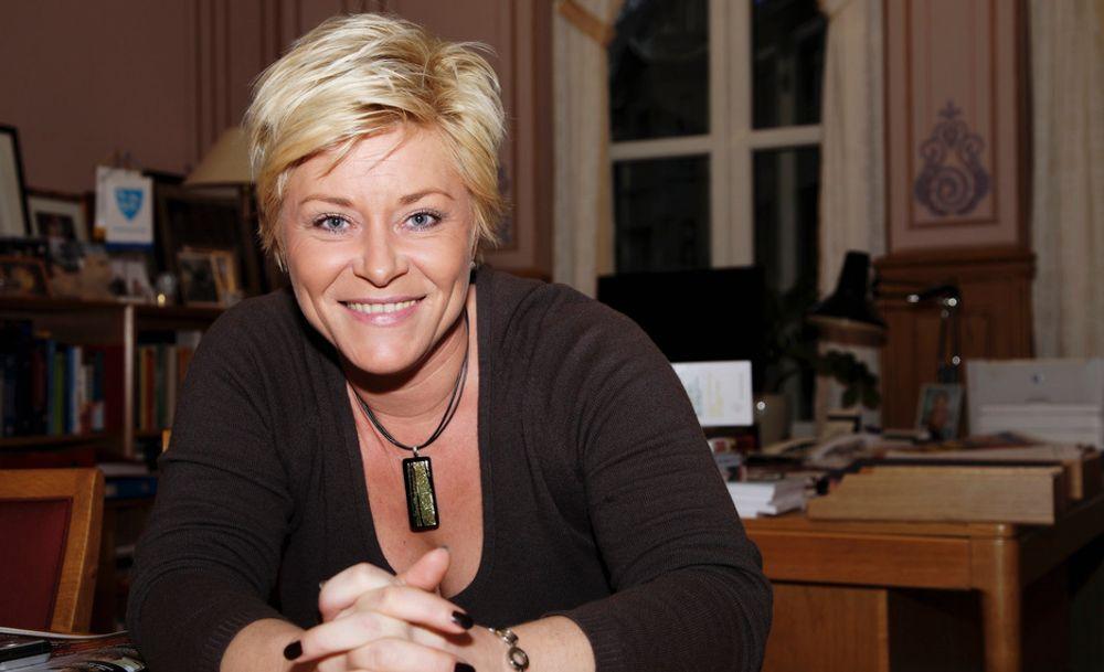 Fremskrittsparti-leder Siv Jensen lover mellom sju og åtte milliarder i skattelette til næringslivet.