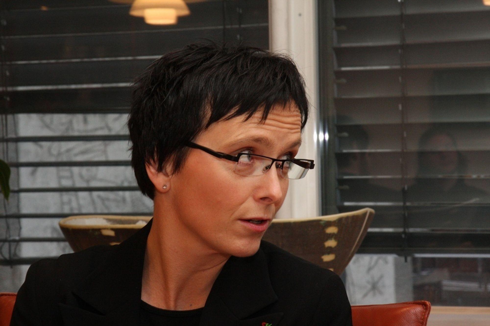 Sjekker: Fornyingsminister Heidi Grande Røys har gitt Konkurransetilsynet i oppdrag å finne ut om fri programvarepolitikken faktisk har noen hensikt.