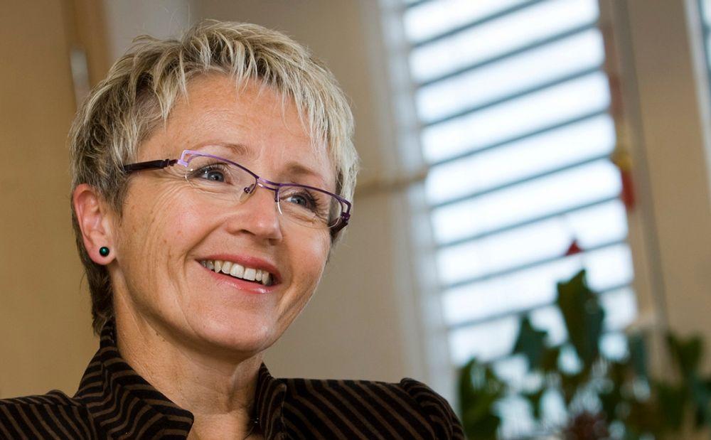AVKLARER: Samferdselsminister Liv Signe Navarsete avklarer finansieringen av det utvidete fylkesveinettet vi får fra neste år.