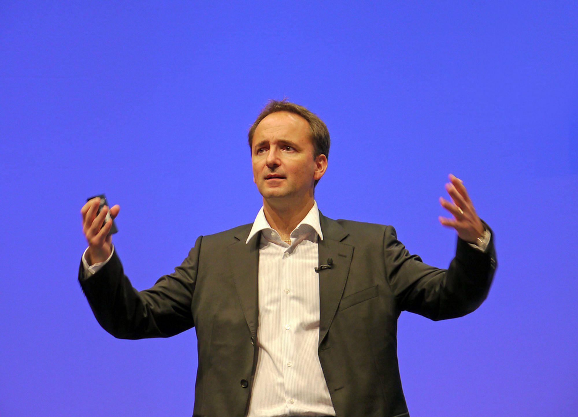 RASKERE:Danske Jim Hagemann Snabe, som sitter i SAPs ledergruppe og jobber med teknologiutvikling og teknologi lover veldig mye raskere forretingsapplikasjoner i fremtiden etterhvert som selskapet tar i bruk ny minneteknologi.