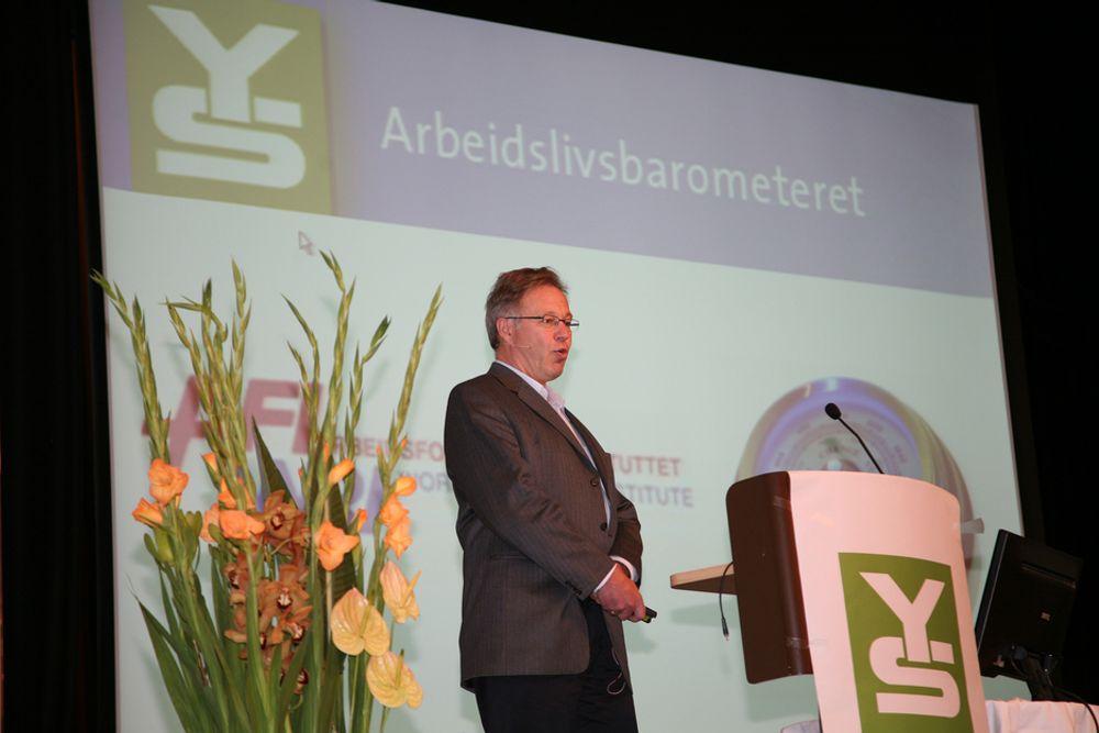 NYTT: Arild H. Steen, forsker og daglig leder ved Arbeidsforskningsinstituttet, skal på oppdrag fra YS forske på norsk arbeidsliv hvert år i fem år.