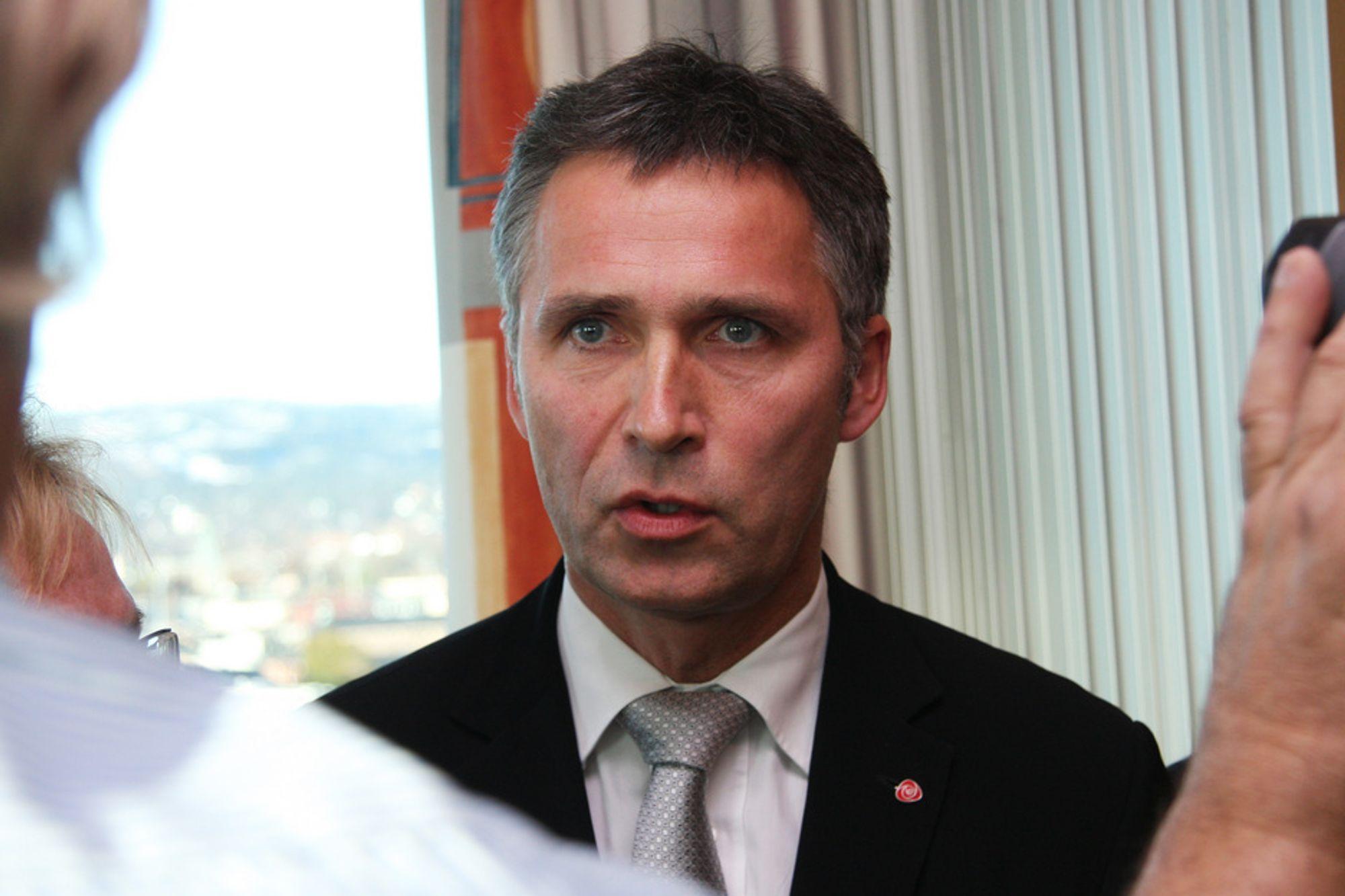 Statsminister Jens Stoltenberg ber om et møte med LO og NHO for å få arbeidslivets innspill til neste års klimamelding.