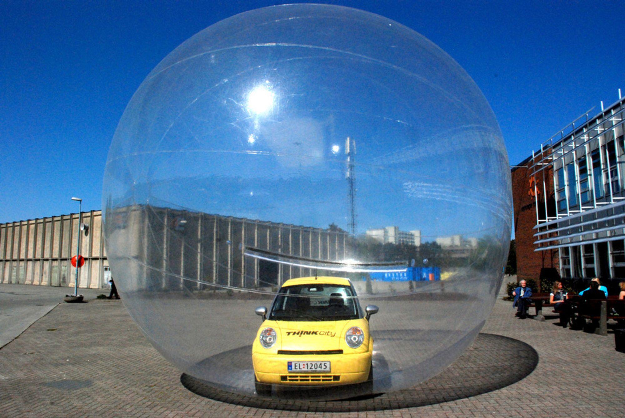 Think City inni boble. Bildet er tatt under EVS24 i Stavanger, mai 2009.