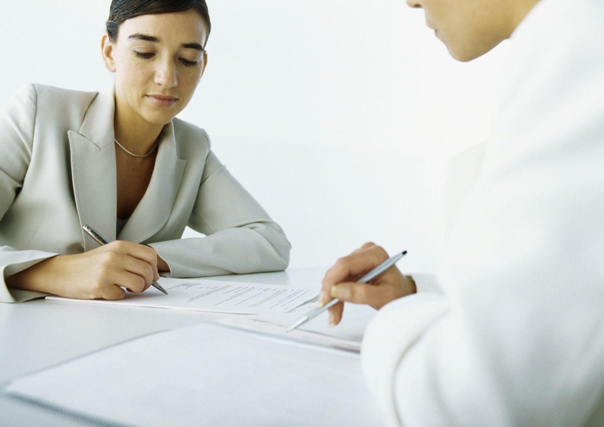 LOV: Flere menn skal jobbe i kvinneyrker.
