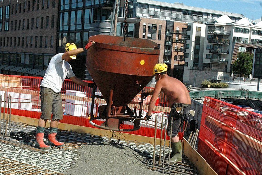 KONKURRANSE: Det danske produktet Bubbledeck får nå konkurranse fra Italia. Harald Rosendahl, direktør i Bubbledeck Norway avviser at konkurrenten er enklere å beregne.