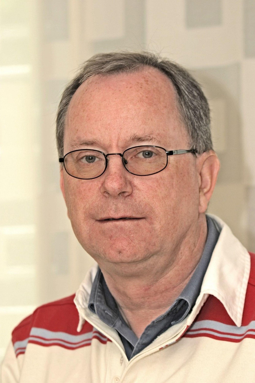 VOKSER: Egil Bøckmann, som leder Cowis avdeling i Fredrikstad får nå  nye medarbeidere under sine vinger.