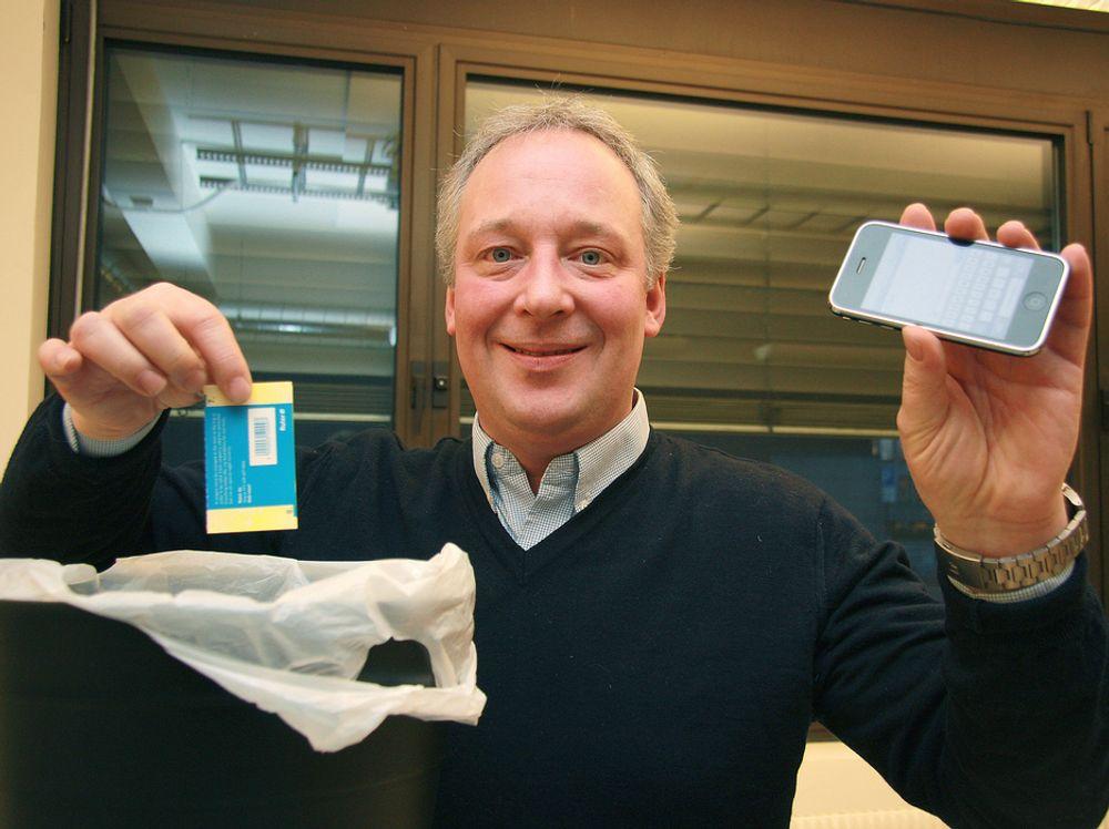 BORT MED PAPIRBILLETTEN:Norgessjefen for UnWire mener mobilen kan blir en mye bedre billett enn den gamle papirvarianten.