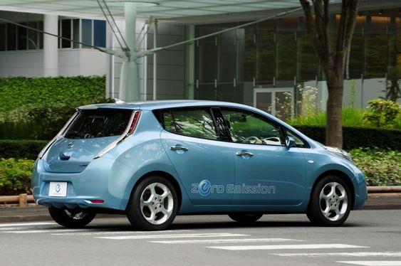 Hekken på Nissan Leafs nye chassis hinter mot den europeiske partneren Renaults Megane.