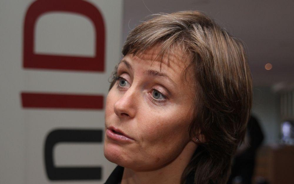 GRENSE: Prosjektleder Lise Nilsen vil unngå at høye kostnader jager småkommuner vekk fra den kommende påloggingsløsningen.