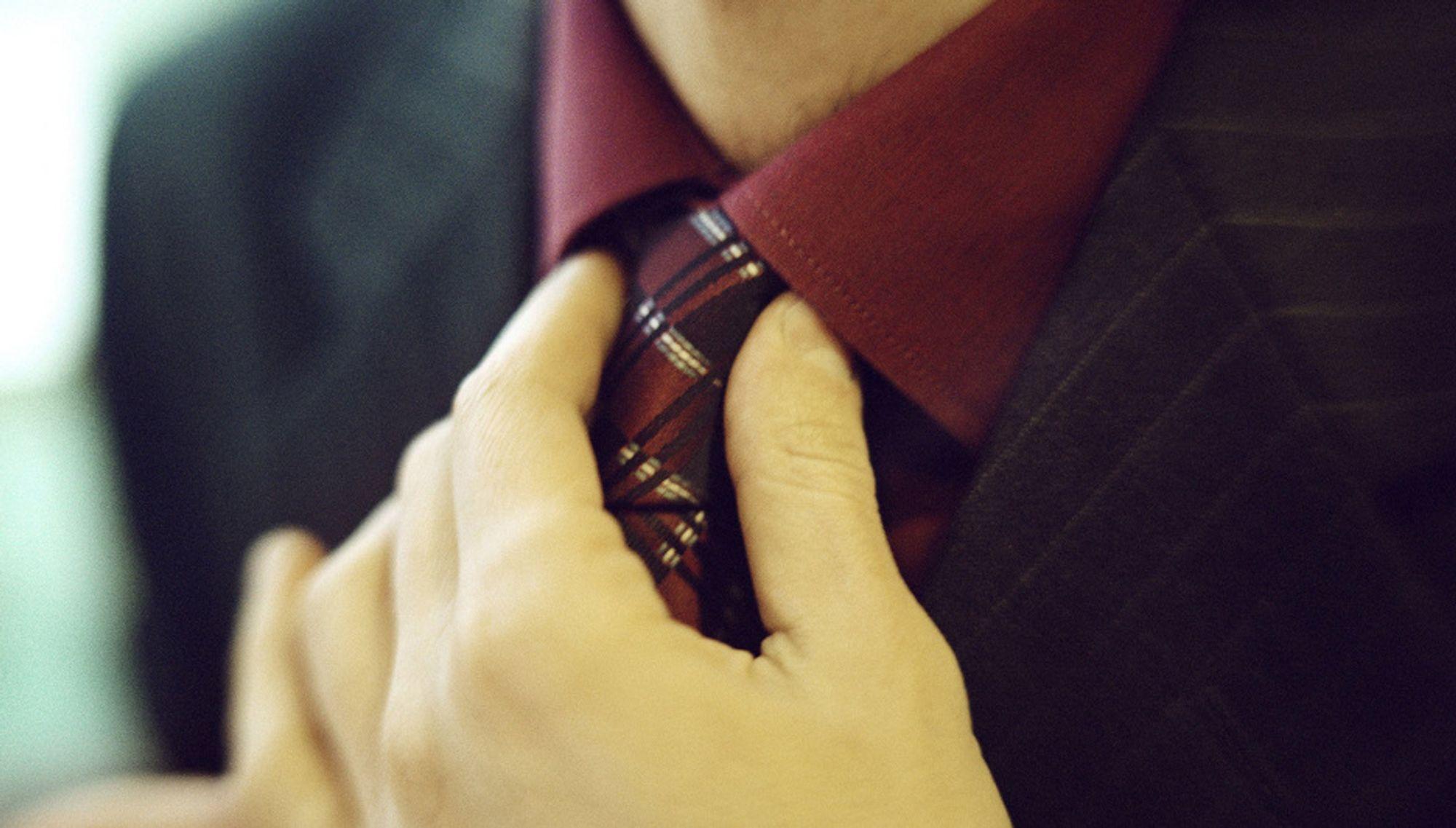 Slips. Jobb. Arbeidsliv. Arbeid. Arbeidstaker. Dress. Jobbantrekk.