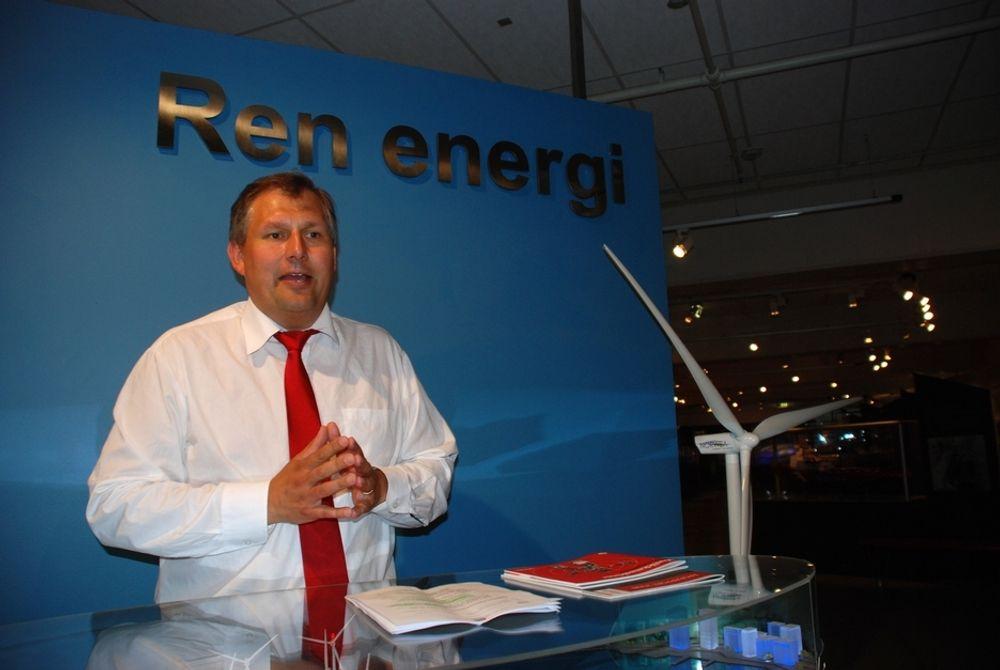 SAMARBEID: Oljeminister Terje Riis-Johansen vil benytte EUs energiministermøte til å diskutere grønne sertifikater med Sverige.