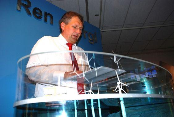 Terje Riis-Johansen legger fram havvindlova på Teknisk Museum 26 juni 2009.