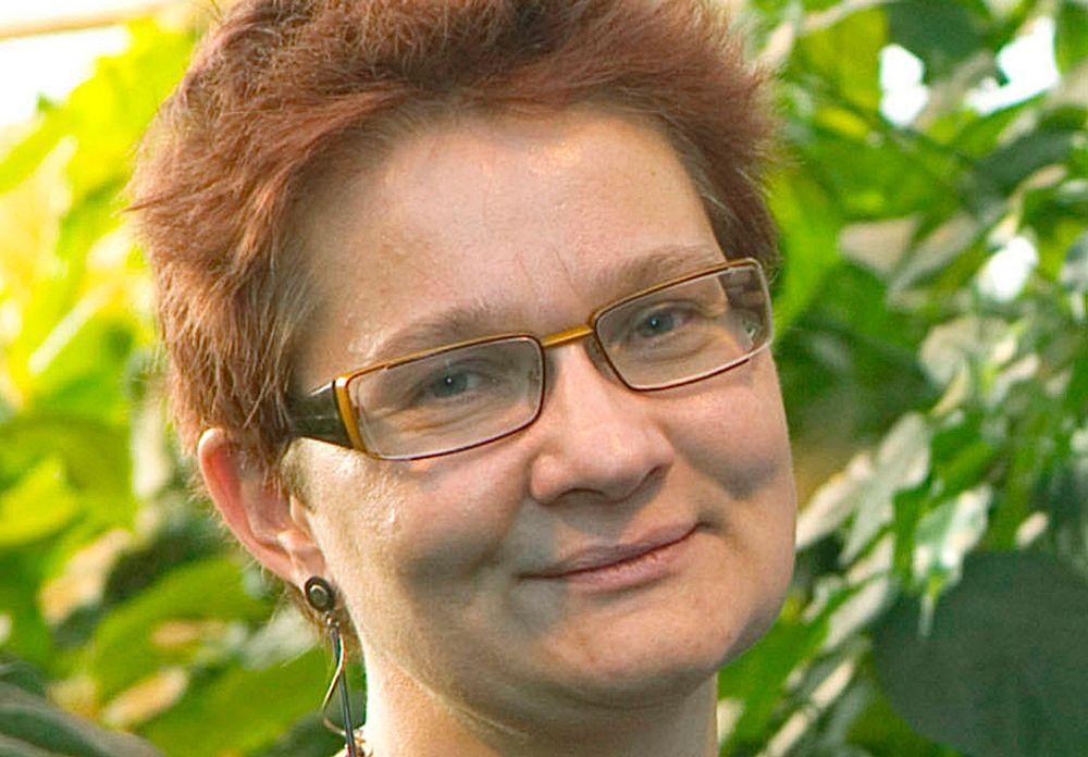 BROBYGGER: - Jeg ser på meg selv som en brobygger mellom forskningsverdenen og byggenæringen, sier Hanne Rønneberg som tiltrer som ny direktør i Sintef Byggforsk i september.