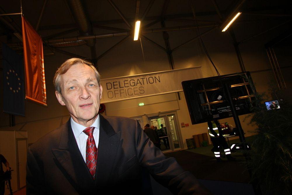 HÅPER PÅ AVTALE: Direktør Terje Gløersen i Norges Rederiforbund følger klimaforhandlingene i København tett. Han håper skipsfarten blir nevnt i avtaleteksten, og at det settes klimamål som alle skip må overholde, uansett hvor de kommer fra.