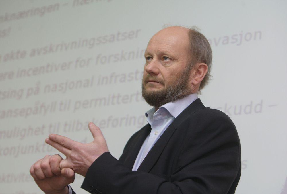 KREVER ENDRING: Stein Lier-Hansen i Norsk Industri mener at avskrivingssatsen for produskjonsutstyr må justeres. - Finansministeren har erkjent at avskrivningsatsen er for lav, sier han.