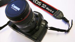 Canon oppdaterer 5D Mark II