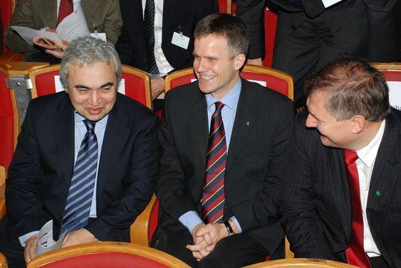 Fra venstre: sjeføkonom Fatih Birol i IEA, Statoils konsernsjef Helge Lund og olje- og energiminister Terje Riis-Johansen.