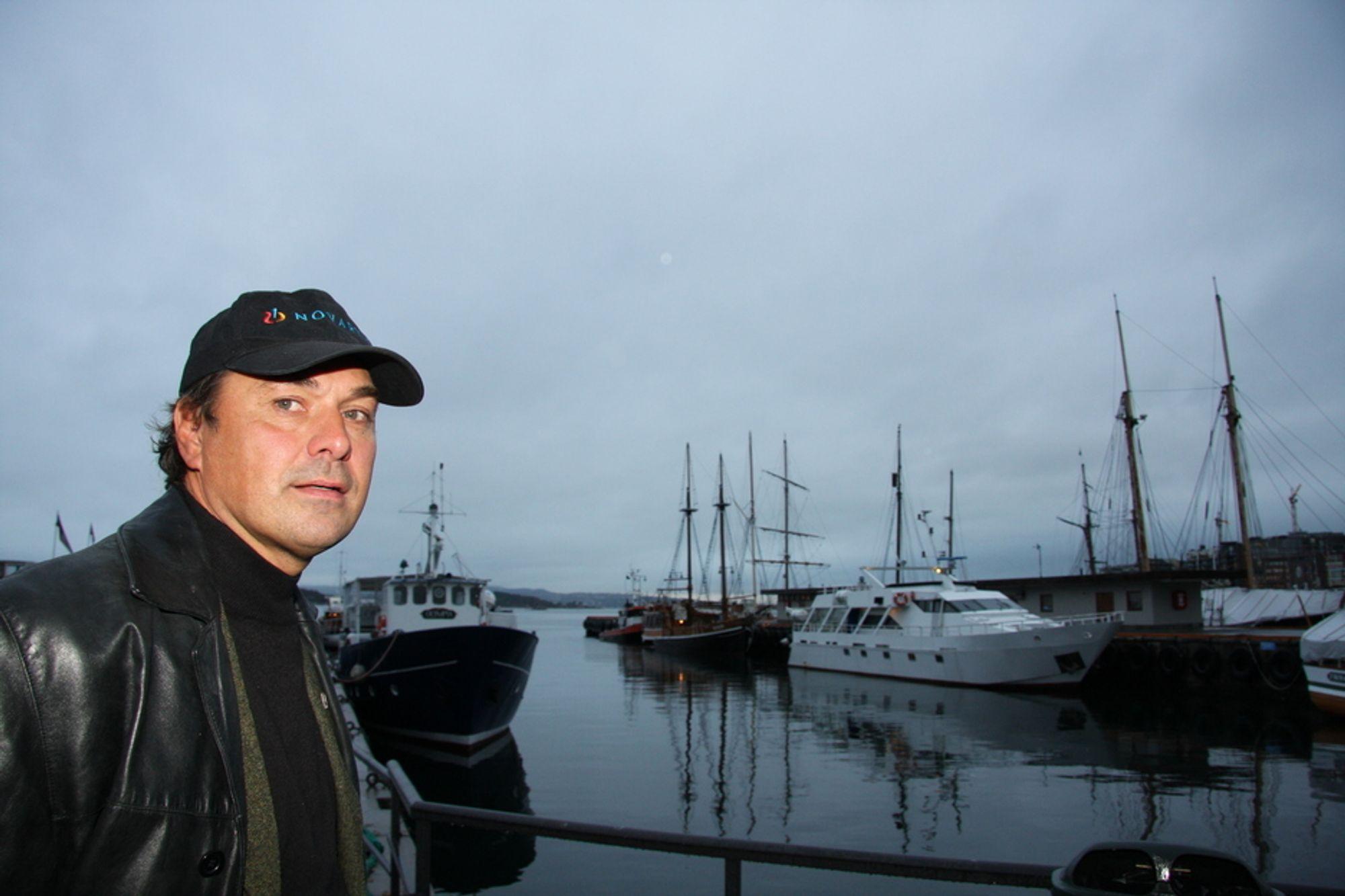 DELVIS FORNØYD: Sjøfartsdirektør Olav Akselsen er glad for at antall omkomne til sjøs viser nedgang i fjor.