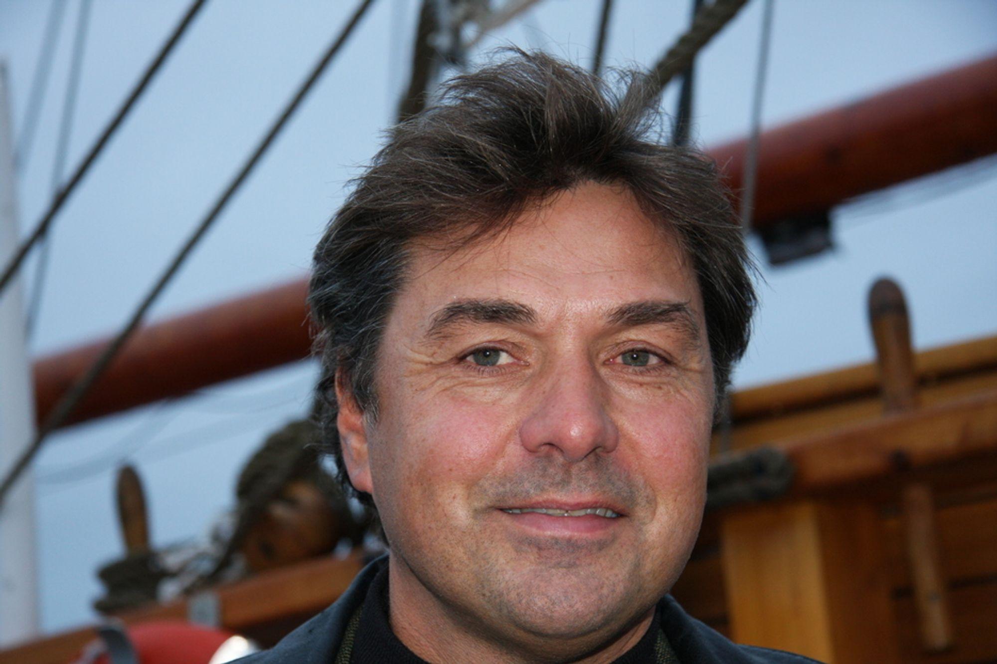 SLIPPER TIL: Sjøfartsdirektør Olav Akselsen lar japanske Class NK og italienske Rina opptre på norske myndigheters vegne.