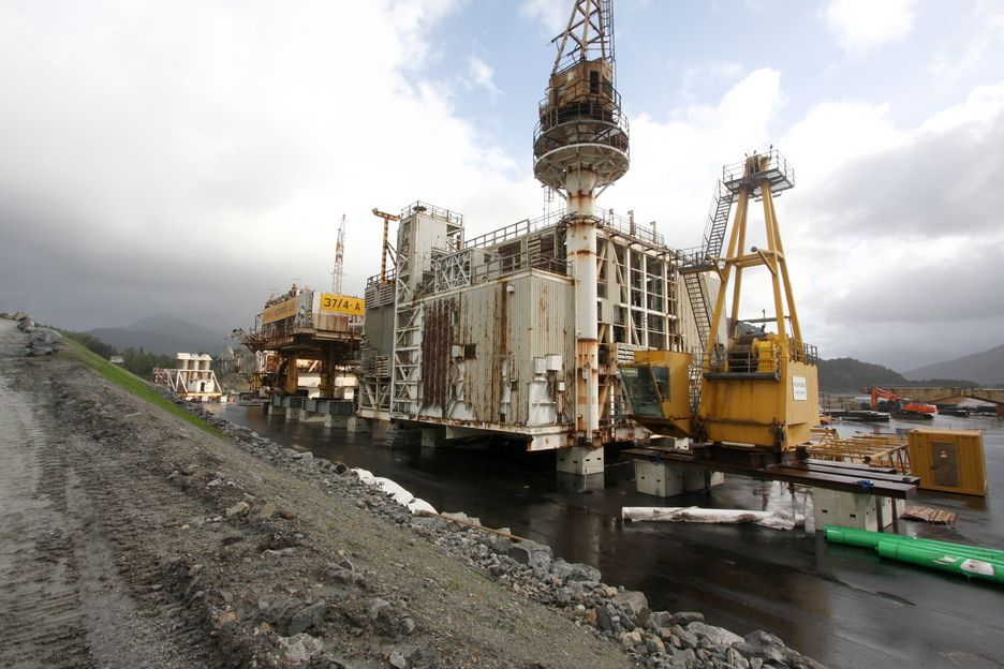 Det nye kommunestyret i Vindafjord vil stanse plattformopphuggingen i Vats.