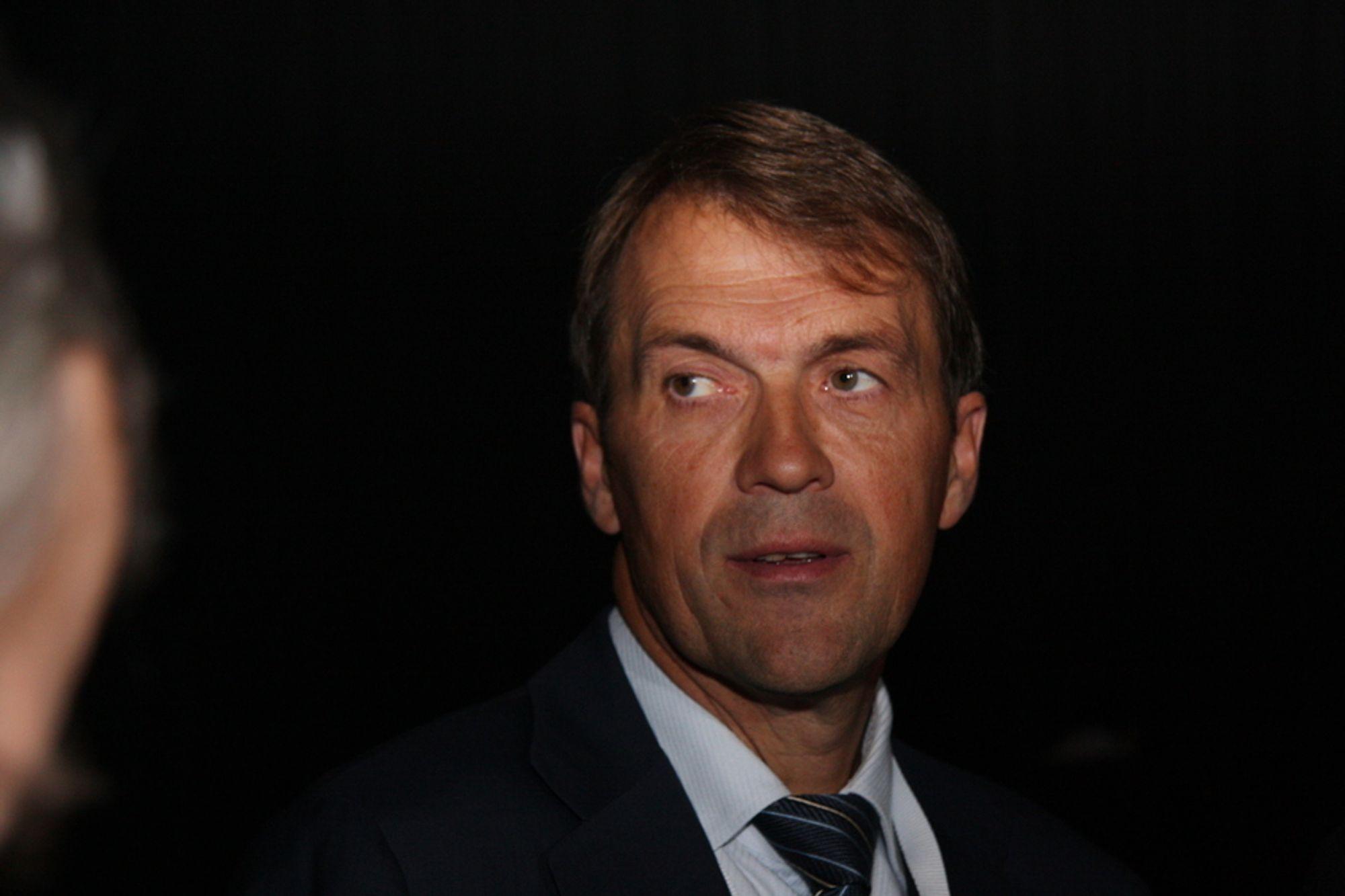 Konsernsjef Eivind Reiten i Hydro ser for seg et svart år i 2009.