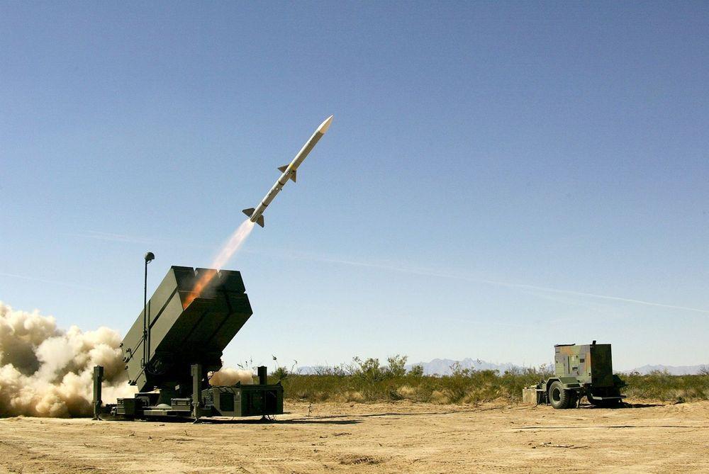 GJENKJØP: Militært utstyr selges til mange land. Her NASAMS misilutskytningsplattform, som leveres fra Konsgberg-gruppen. FOTO: FRM