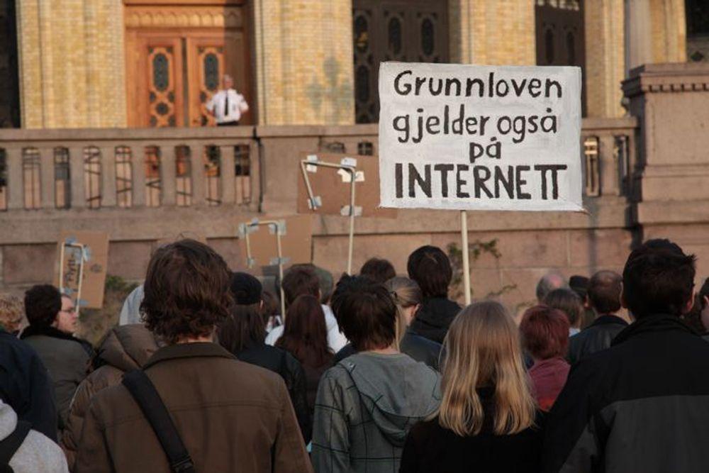 Demonstrasjon for et fritt internett.