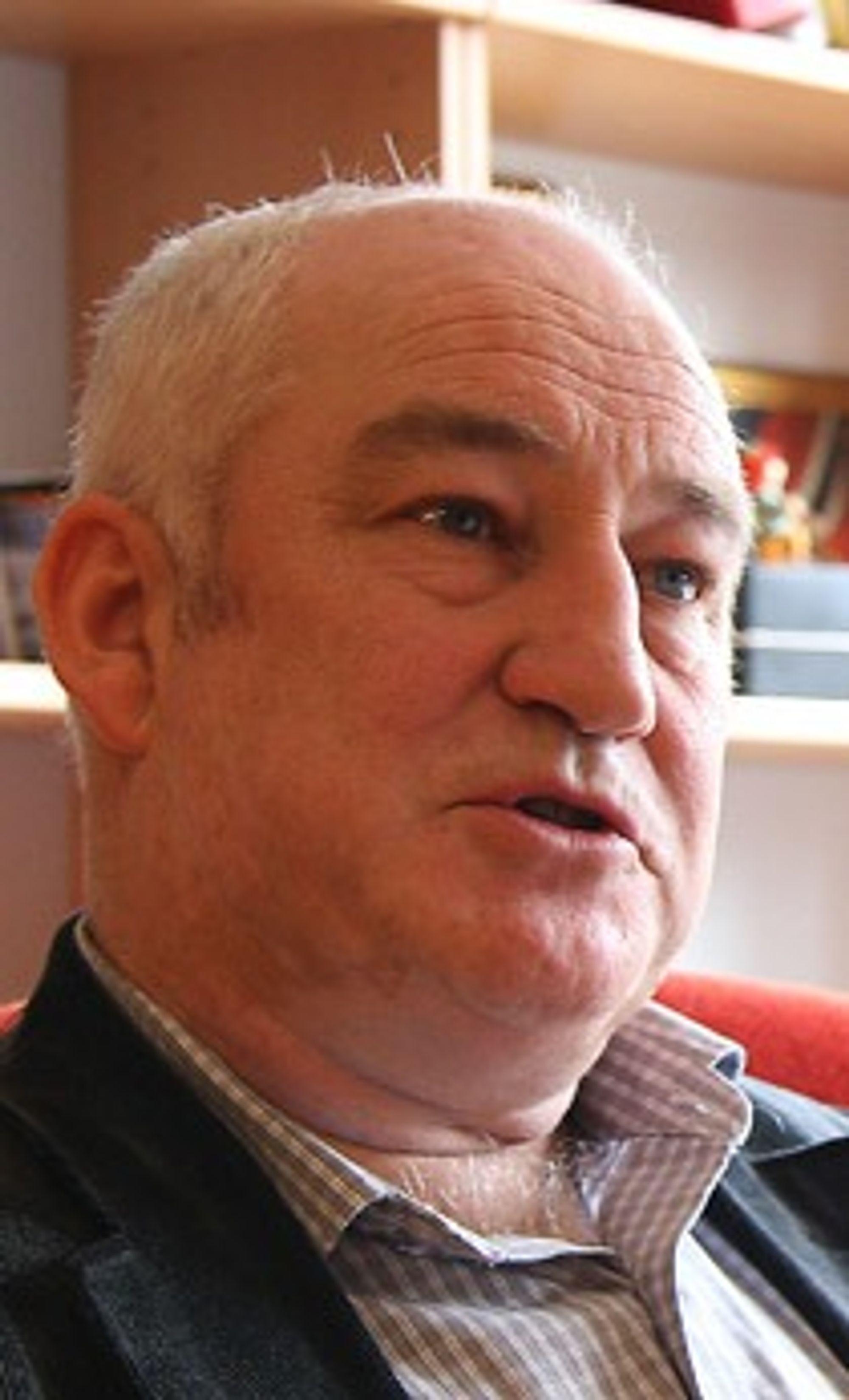Harald Kvame, varaordfører (H) i Naustdal og leder for MEF i Sogn og Fjordane, er positiv til planene om gruvedrift.