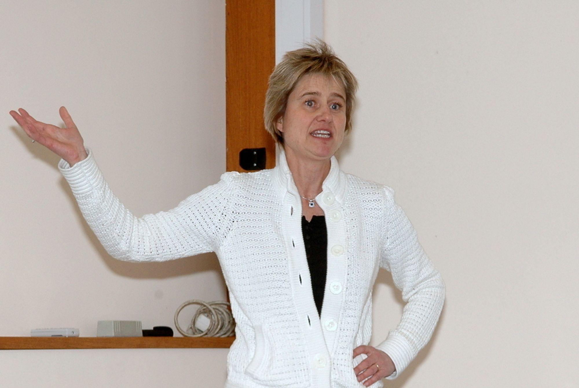 FEILINFORMERER: Ann Kristin Sjøtveit liker ikke at Havforskningsinstituttet feilinformerer. - De har en politisk agenda og forholder seg ikke til faktaunderlaget, mener hun.