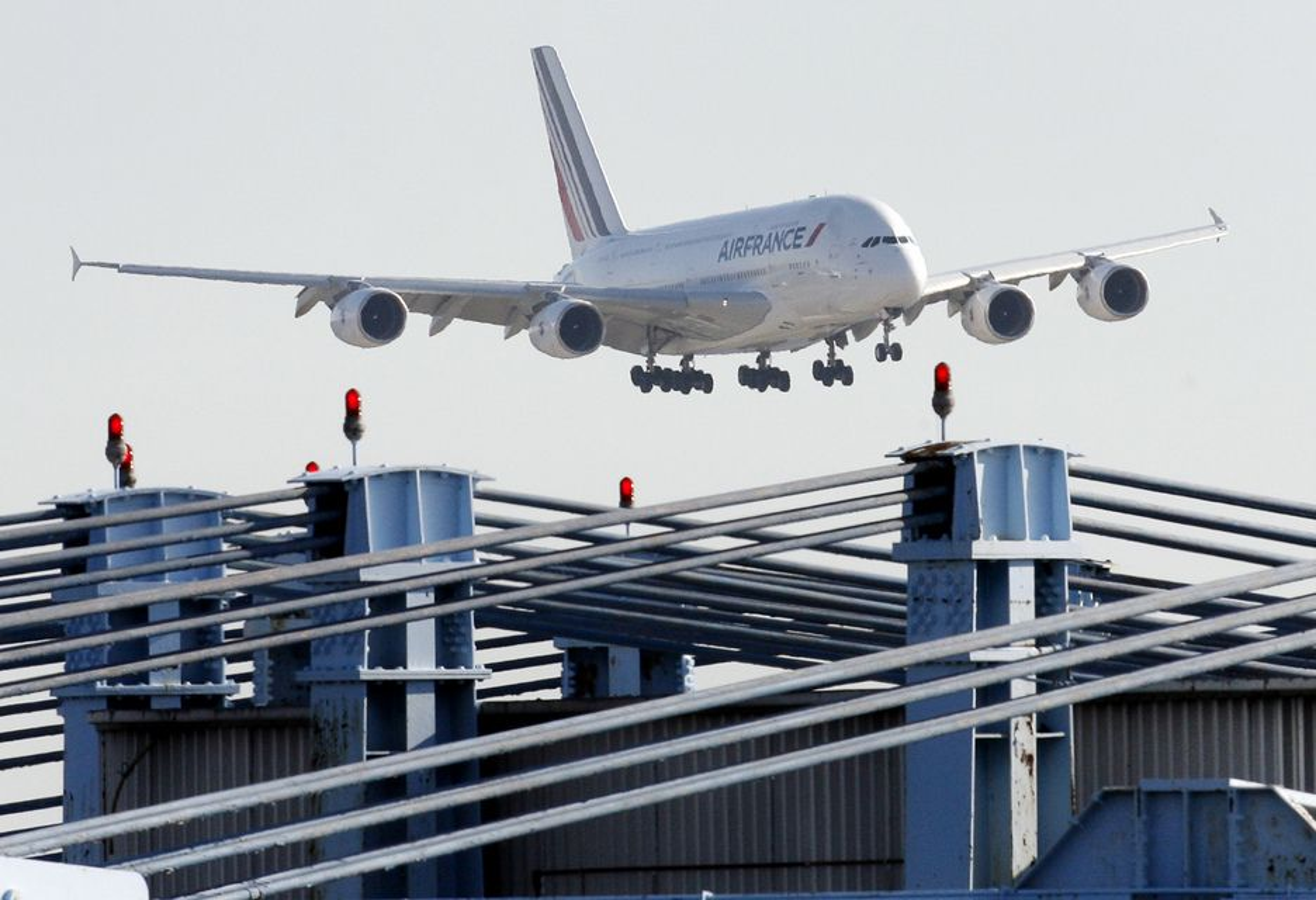 Klokken 17 onsdag 15. september lander Airbus 380-maskinen på Gardermoen.