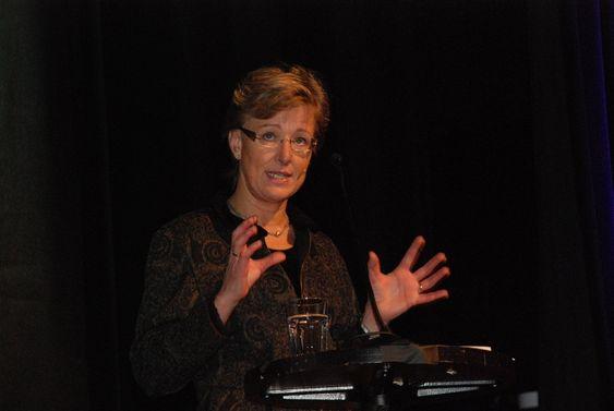 EBL skifter navn til Energi Norge 12. november 2009. Sigrid Hjørnegård, statssekretær OED.