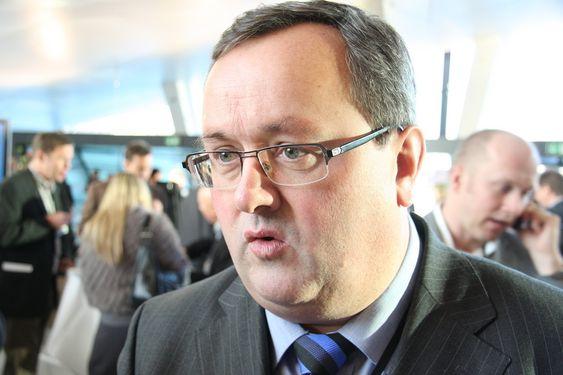 Steinar Bysveen i Energibedriftenes landsforening har gitt regjeringen noen innspill om hva han og EBL mener den bør gjøre i krisepakken.