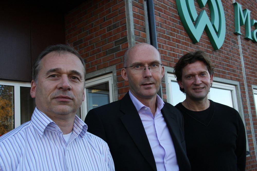 RENSER VANN: Markedssjef Tom Erik Larsen (fra v.), administrerende direktør Terje Bratlie og prosjektleder Georg Finsrud ser et stort marked for vannbehandlingsanleggene.