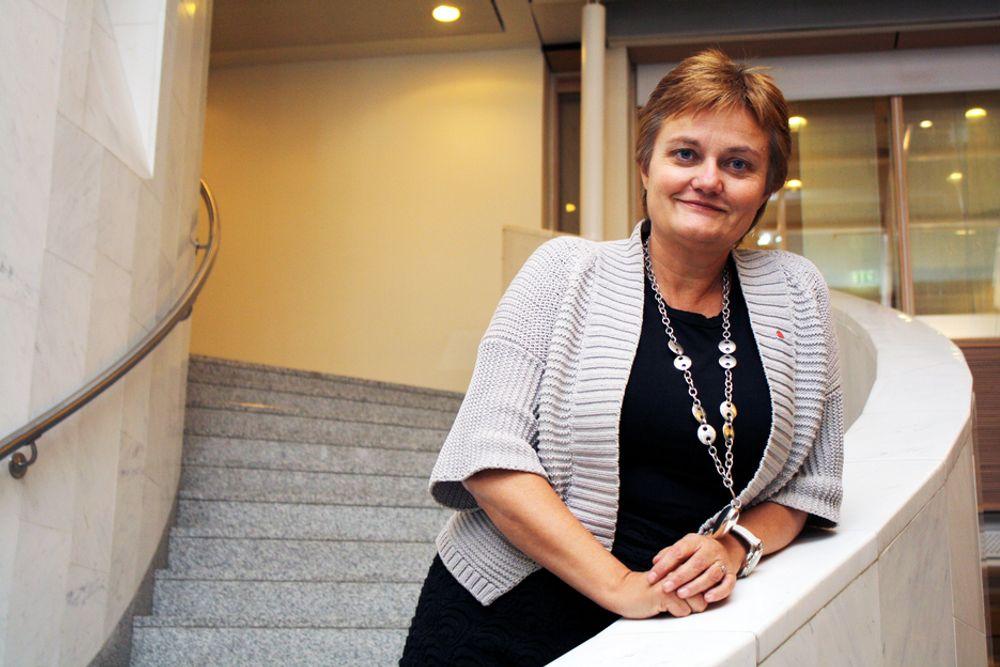 UT MED TEKNOLOGIFRYKTEN: Et av Rigmor Aasruds mål som ny IT-minister er å lokke Helse-Norge til å bruke nyere teknologi aktivt i jobben.