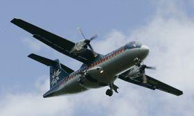 Et tilsvarende ATR-42 fra nå nedlagte Coast Air steilet over Folgefonna i 2005.