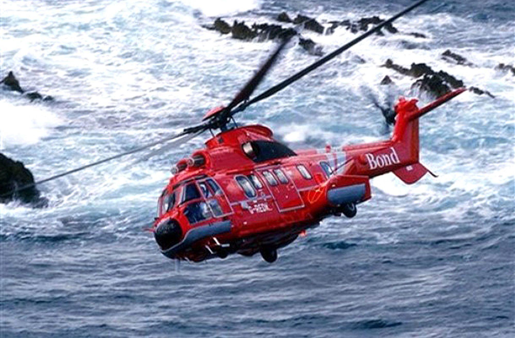 Et slikt helikopter, av typen AS332 L2 Super Puma fra Bond Offshore Helicopters, styrtet i Nordsjøen på vei til Aberdeen onsdag. Ulykken har trolig kostet 16 liv.