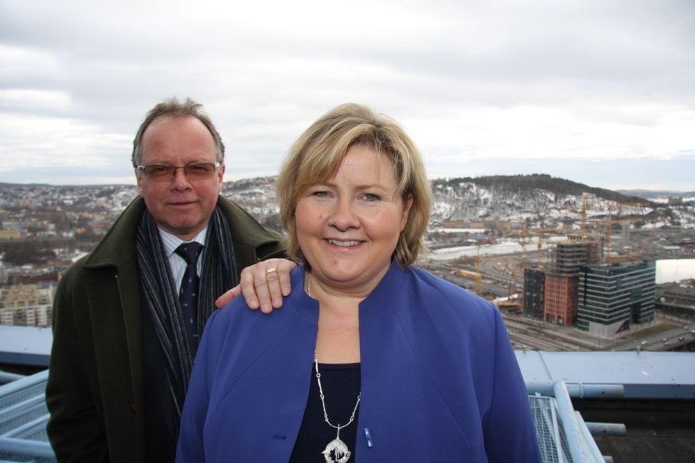 SLÅR TILBAKE: - Det er oppsiktsvekkende at Frp kritiserer Høyre for veipolitikken vår når de vil samarbeide med oss, sier samferdselspolitisk talsmann Øyvind Halleraker, her sammen med partileder i Høyre, Erna Solberg.