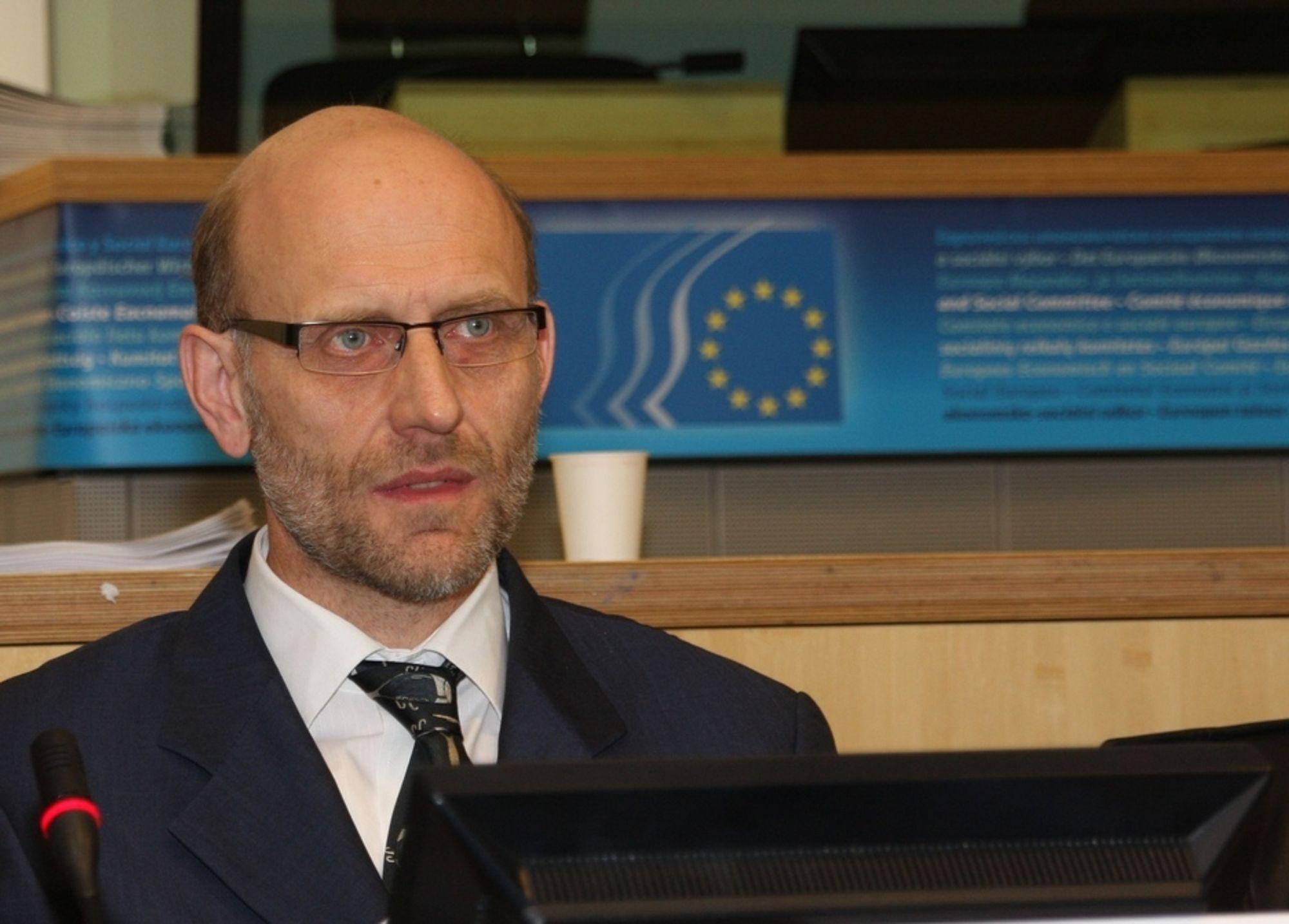 FARLIG: Werner Korte hos Empirica advarer mot konsekvensene av ikke å satse på IT-kompetansen.
