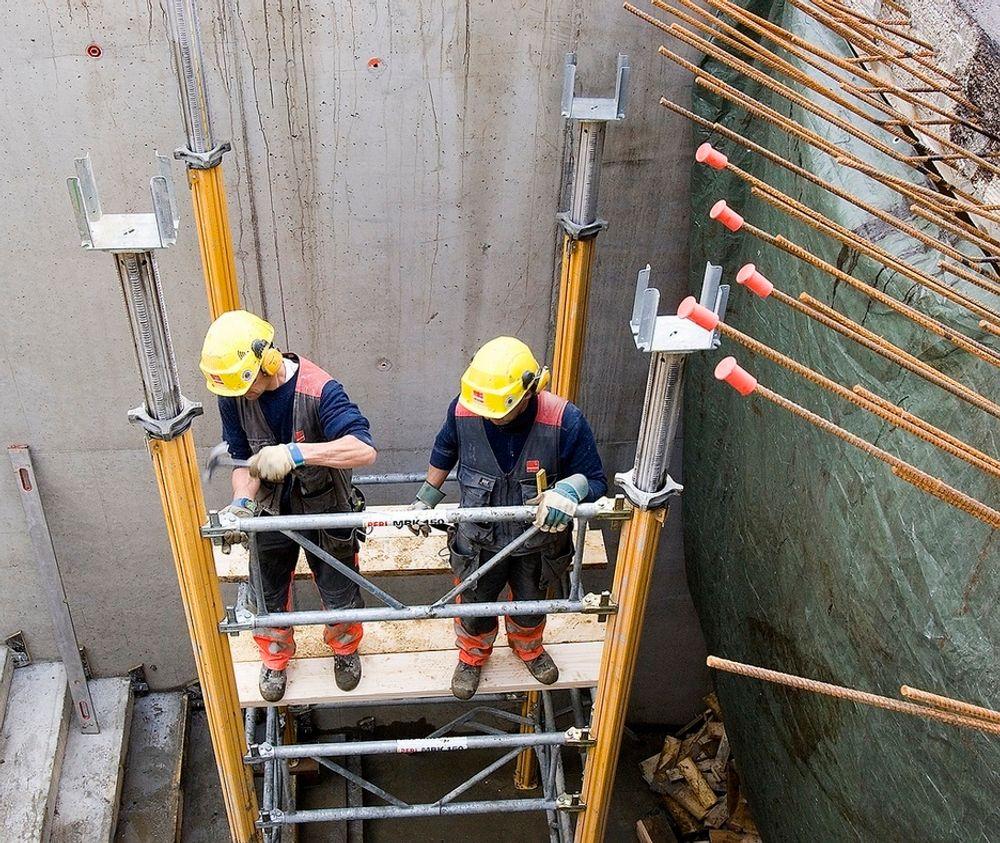 Veidekke skal utføre alle betongarbeider med vegger og dekker, stålarbeider med søyler, bjelker og rammer, takkonstruksjoner med tekking samt inne- og yttervegger.