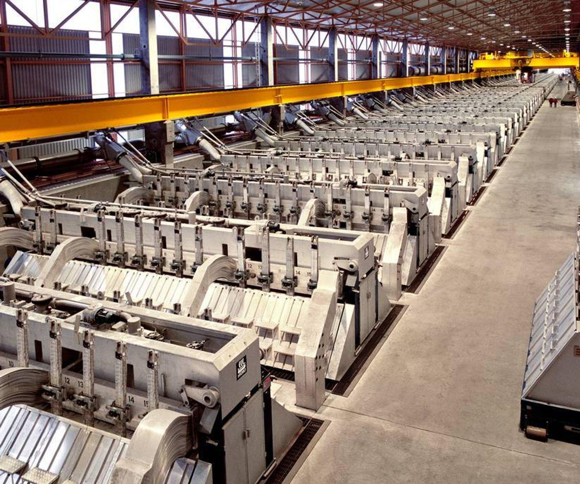 Industriproduksjonen falt 2,8 prosent på 3 måneder.