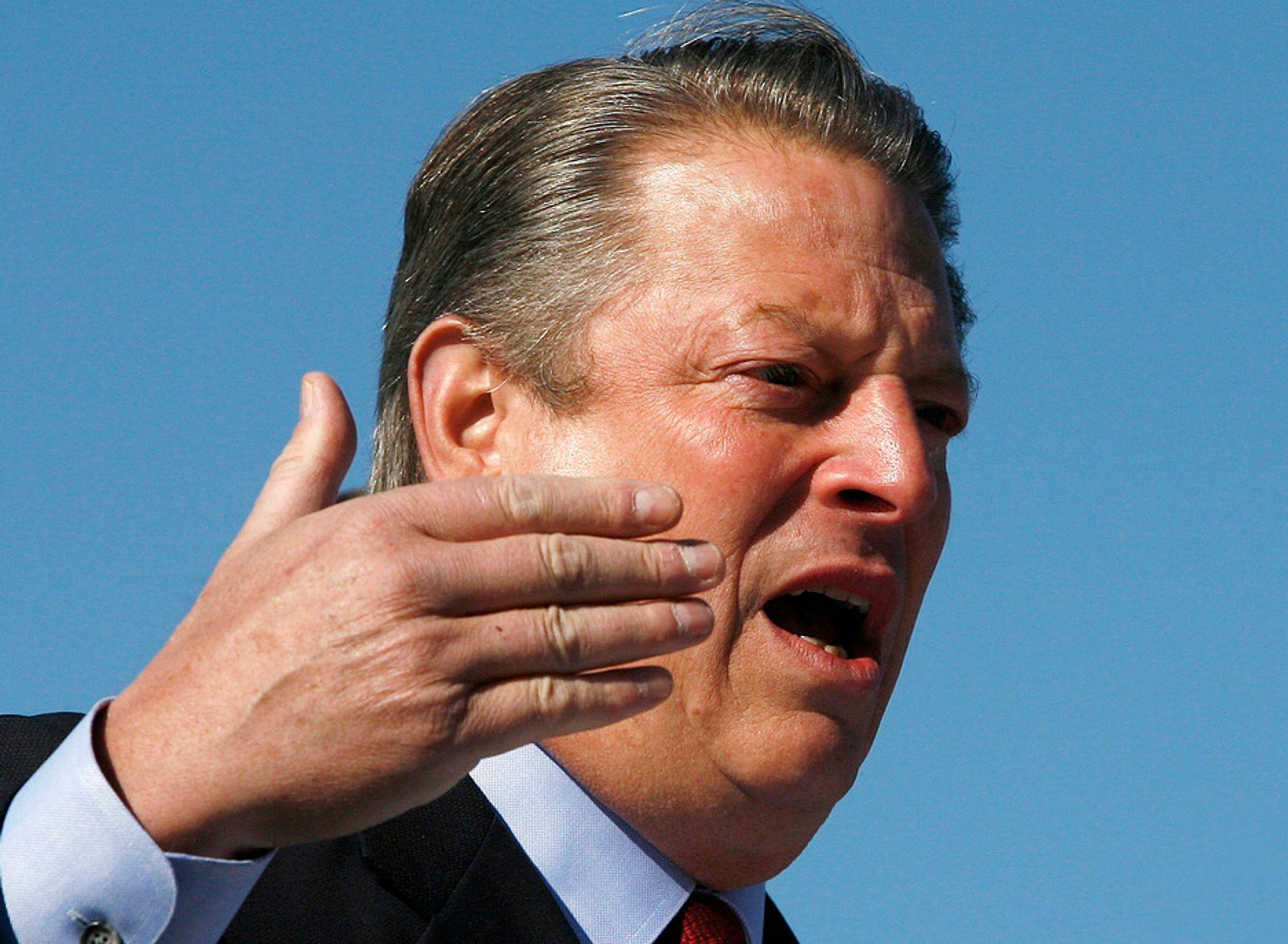 PrISVINNER: Al Gore fikk fredsprisen for stt foredrag. Nå må han trekke noe av informasjonen han har brukt.