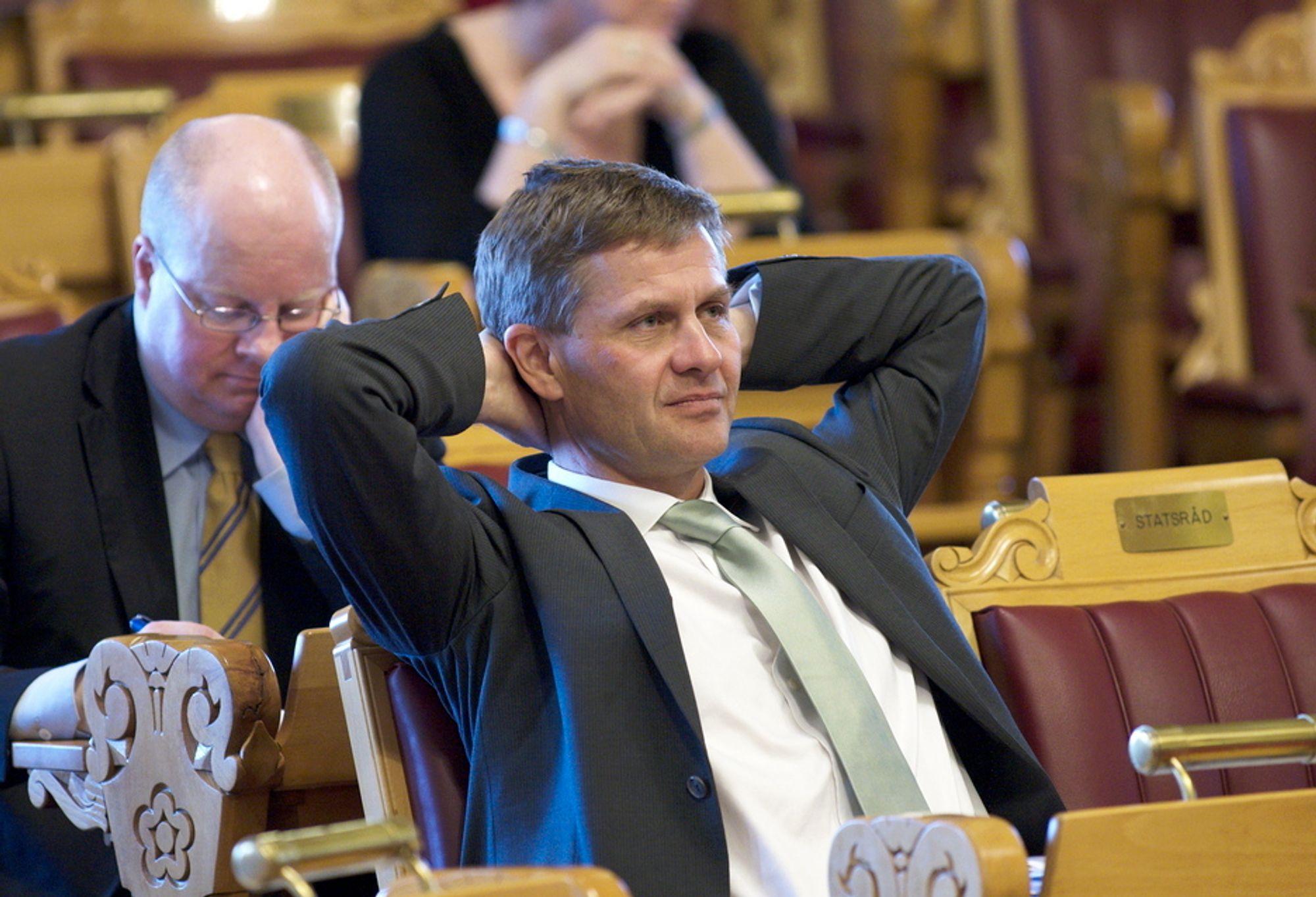 Miljøvernminister Erik Solheim orket rett og slett ikke svare da han ble spurt om biodieselavgiften i Stortinget fredag.