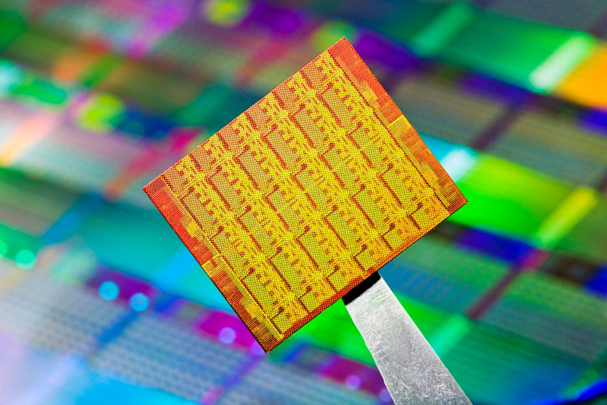 REC skal levere wafere verdt 1,1 milliarder kroner til en foreløpig ukjent kunde frem mot 2013.