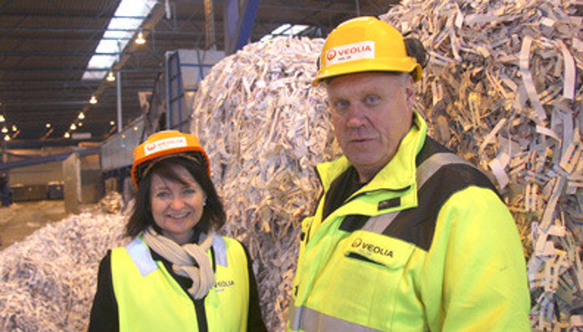 OPTIMISTISK: Direktør Runa Opdal Kerr og  produksjonsleder Terje Edseth har tro på at prisene på avfall på sikt vil øke igjen.