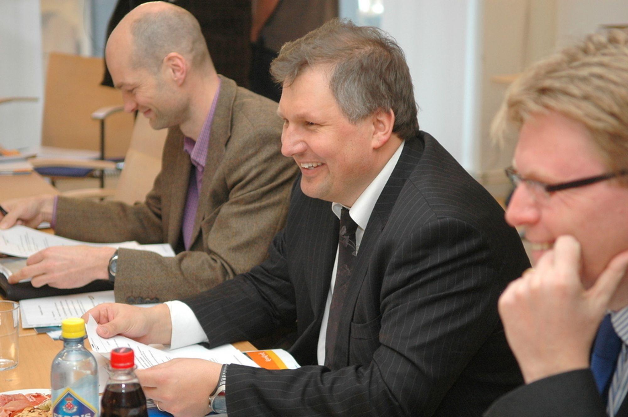 FIKK VILJEN SIN: Etter at olje- og energiminister Terje Riis-Johansen skrev et brev til styret i StatoilHydro, der han forklarte at staten kun ville stemme for et navneforslag der Statoil inngikk, hadde ikke styret noe valg.
