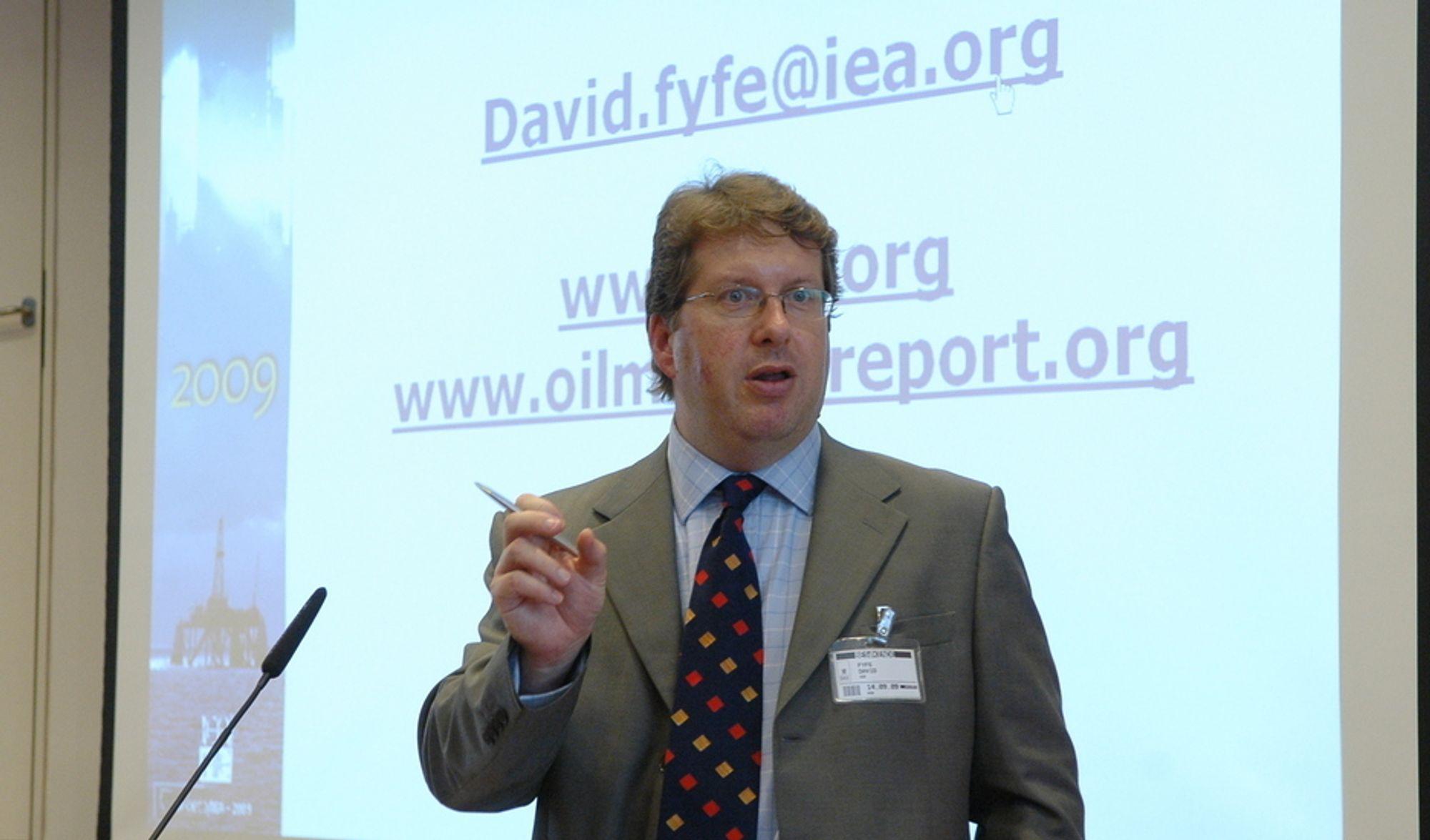 ¿ Kostnadene går opp, prosjekter blir utsatt, og nye reguleringer i offshoreaktiviteten vil mest sannsynlig bli innført av USA i etterkant av denne forferdelige ulykken, sier David Fyfe fra IEA.