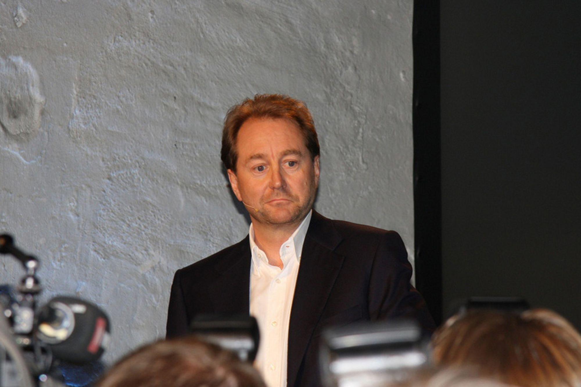 Kjell Inge Røkke var et kvarter for seint ute til pressekonferansen på Månefisken. Han sa at han gjerne kunne vært de siste ukene foruten.
